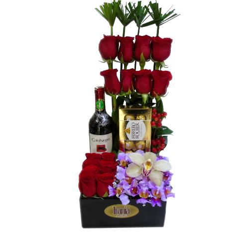 arreglo rosas con vino y chocolate irania floristeria bogota