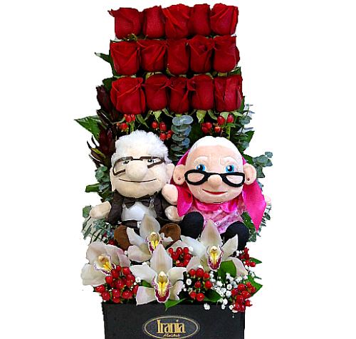 Diseño 15 rosas y orquideas con peluches parejas up.